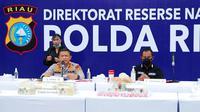 Kapolda Riau Irjen Agung Setya dalam konferensi pers pengungkapan narkoba jaringan Lapas. (Liputan6.com/M Syukur)