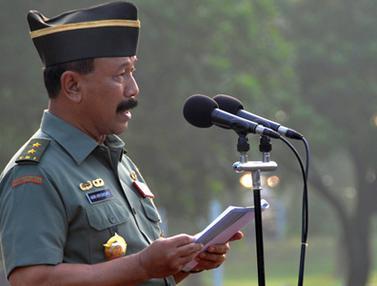 Upacara Bendera di Mabes TNI