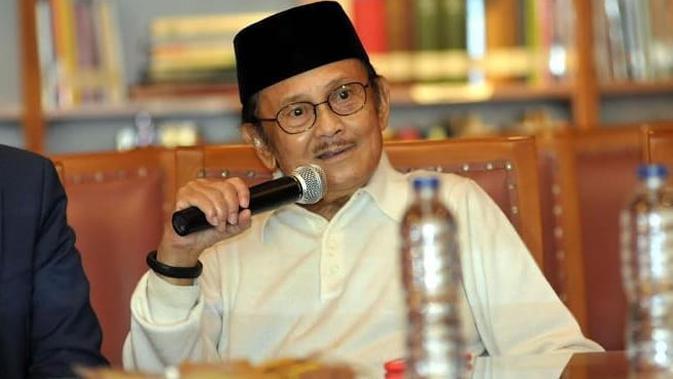 BJ Habibie Ingin Pelajar Indonesia di Luar Negeri Kembali ke Tanah Air