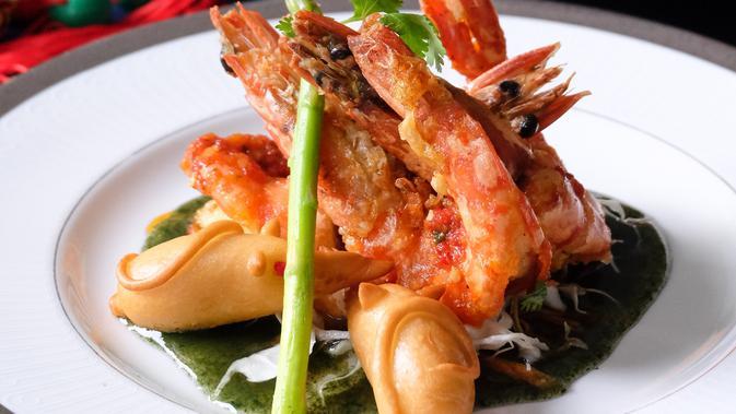 Hotel Royal Ambarrukmo Yogyakarta menyajikan menu santap malam sarat filosofi pada Tahun Baru Imlek. (Liputan6.com/ Switzy Sabandar)