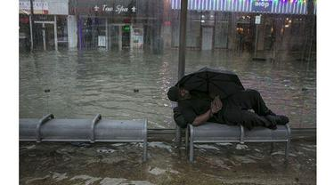 6 Foto Ini Buktikan Tidak Manusiawinya Kota Terhadap Tunawisma
