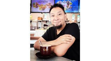 Chef Haryo merupakan koki yang kerap mengisi berbagai acara kuliner di televisi, kini ia memilih vakum dari dunia hiburan.
