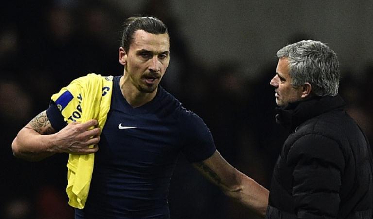Zlatan Ibrahimovic (kiri) dan Jose Mourinho. (AFP/Franck Fife)