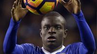 Gelandang asal Prancis, N'Golo Kante, tampil fenomenal bersama Chelsea musim ini. Dia memenangkan dua penghargaan individu bergengsi. (AP Photo/Alastair Grant)