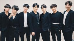 BTS juga kerap jadi bintang tamu di acara-acara musik di Korea Selatan. Bila dulu BTS mengikuti jadwal acara, namun kali ini penyelenggara justu yang menyesuaikan jadwal dari BTS. (Foto: soompi.com)