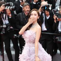 Saat ini memang Jessica Jung sudah jarang bernyanyi, walaupun demikian ia tetap mempunyai jadwal yang padat di dunia hiburan. Tak hanya di Korea Selatan saja, ia juga disibukkan dengan kariernya di luar negeri. (Foto: instagram.com/jessica.syj)