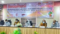 Sosialisasi PKPU nomor 6 tahun 2020 kepada stage holder dan perwakilan pasangan calon peserta Pilkada Malang 2020 (Liputan6.com/Zainul Arifin)