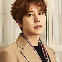 Setelah hampir satu tahun, Kyuhyun pun mendapatkan waktu libur dari tugas wajib militernya. Di tengah jadwal liburnya, ia pun memberikan dukungan untuk comebacknya Super Junior. (Foto: Soompi.com)