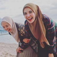 Laudya Cynthia Bella dan Zaskia Sungkar (Sumber: Instagram//laudyacynthiabella/zaskiasungkar15/)