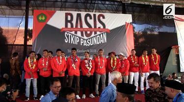 15 Atlet Asian Games disambut meriah saat kembali ke Kampus. Hanifan Peraih emas dicabang pencak silat mendapat beasiswa S2 dari RektorSTKIP Pasundan