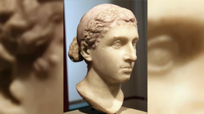 Ilustrasi ukiran kepala Cleopatra. (Sumber Wikimedia Commons)