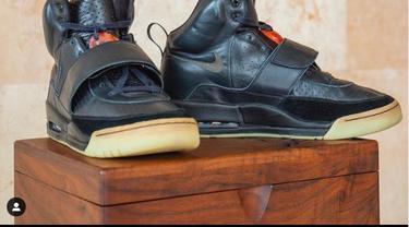 sepatu Kanye West terjual Rp 26 Miliar