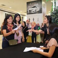 Mau belajar makeup dari sang ahli? Ya, sudah tepat kalau kamu ikutan acara MakeupMakeup dari Bintang.com. (Foto: Bintang.com/Daniel Kampua)