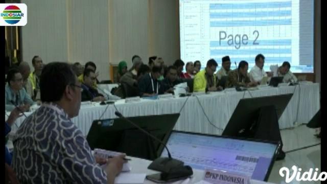 Rapat pleno yang berlangsung hingga Jumat malam telah menyelesaikan penghitungan manual untuk dua provinsi, yaitu Bali dan Bangka Belitung.