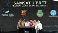 Menteri PANRB Syafruddin saat peluncuran inovasi Samsat Jawa Barat (Ngebret) di Gedung Sate, Bandung, Senin 28 Januari 2019 (Foto: Dok Kementerian PANRB)