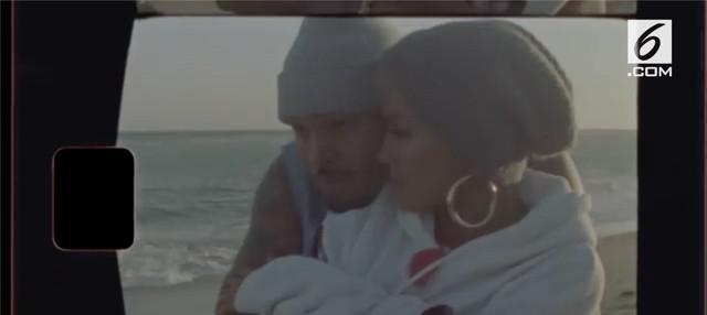 Sudah hampir 10 tahun hubungan asmara Rihanna dan Chris Brown kandas. Kini, sang mantan kekasih dikabarkan dekat dengan Agnez Mo. Bagaimana tanggapan Rihanna?