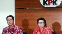 Wakil Pimpinan KPK, Basaria Panjaitan dan Jubir KPK, Febri Diansyah memberi keterangan pers terkait OTT anggaran pendidikan Cianjur di gedung KPK, Jakarta, Rabu (12/12). KPK menetapkan 4 tersangka dengan barang bukti Rp1,5M. (merdeka.com/Dwi Narwoko)