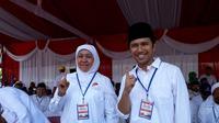 Pasangan Khofifah Indar Parawansa - Emil Dardak (Liputan6.com/ Dian Kurniawan)