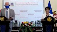 Menteri Luar Negeri RI Retno Marsudi dan HRVP UE Josep Borell dalam press conference yang diselenggarakan oleh Kementerian Luar Negeri RI pada Rabu (2/6/2021). (Photo credit: Kemlu RI Via Zoom)