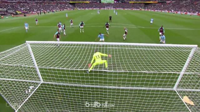 Manchester City meraih kemenangan 4-1 atas West Ham United dalam lanjutan Premier League pekan ke-35. This video is presented by Ballball.
