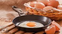 Awali pagi hari Anda dengan menyantap menu sarapan pagi yang praktis dibuat dan murah, yaitu cup scramble. (Foto: iStockphoto)