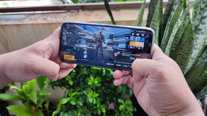 Penampilan Realme C25s yang baru saja meluncur di Indonesia (Liputan6.com/Agustinus M. Damar)