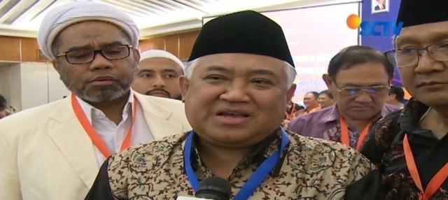 Tokoh Muhammadiyah dan NU minta pemerintah agar pertimbangkan soal pemotongan penghasilan PNS muslim untuk zakat.