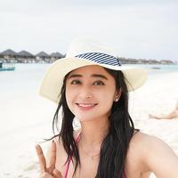 Wajah cantik Dewi Perssik kerap menghiasi berbagai acara di layar kaca. Pada setiap penampilannya, ia selalu mengenakan makeup. Siapa yang menyangka jika sebenarnya ia merupakan sosok yang tak suka pakai makeup. (Foto: instagram.com/dewiperssikreal)