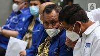 Sekjen Partai Demokrat versi KLB Jhonny Allen saat jumpa pers terkait urgensi KLB Sibolangit di Jakarta, Kamis (11/3/2021). Dalam keterangannya Jhonny mengatakan pengurus versi KLB akan melaporkan AHY ke kepolisian atas dugaan pemalsuan mukadimah AD/ART partai. (Liputan6.com/Johan Tallo)