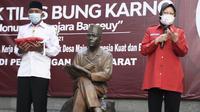 Ketua DPP Bidang Kebudayaan PDI Perjuangan Tri Rismaharini melakukan napak tilas di sel penjara Banceuy, Kota Bandung, Selasa (2/6/2021). (Liputan6.com/Huyogo Simbolon)