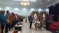 Serah terima jabatan Gubernur Sumbar kepada sekdaprov sebagai Plh. (Liputan6.com/ Novia Harlina)