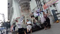 Sejumlah penari di Kota Bandung menggelae aksi tari memeringati hari lahir Soekarno belum lama ini