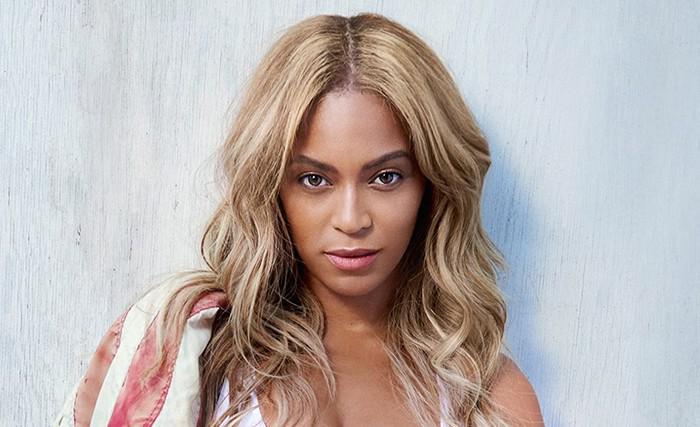 Beyoncé adalah seorang penyanyi kelahiran Amerika.