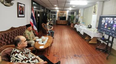 KRI Songkhla mengajak WNI di wilayah Thailand Selatan merayakan Idul Fitri 1442 H secara virtual.