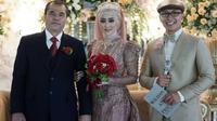 Mantan Bupati Garut Aceng HM Fikri kembali menikah untuk ketiga kalinya dengan Elina, mojang geulis asal Bandung (Liputan6.com/Jayadi Supriadin)