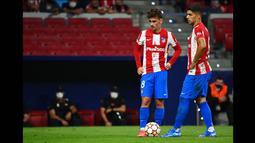 Griezmann pun telah menjalani laga perdananya dalam pertandingan saat melawan Espanyol. Sayang, penampilan Griezmann pun masih belum maksimal dan mendapat banyak kritik pedas dari banyak pihak. (AFP/Gabriel Bouys)