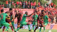 Duel PSM vs Kalteng Putra di Stadion Andi Mattalatta Mattoangin, Makassar, Rabu (6/11/2019). (Bola.com/Abdi Satria)