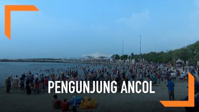 Kawasan Ancol diserbu puluhan ribu pengunjung hari Minggu (09/06). Mereka memanfaatkan hari terakhir liburan lebaran untuk berwisata bersama keluarga.