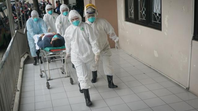 045550000 1584980560 APD RS MOEWARDI ridlo - Kerjasama Masyarakat Indonesia dalam Hadapi Pandemi Corona