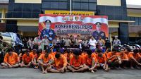 Kapolda Bengkulu menggelar konferensi pers atas prestasi Polres Kota dalam menuntaskan kasus tindak pidana 3C (Liputan6.com/Yuliardi Hardjo)