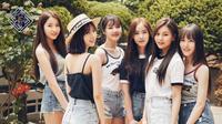Pada 19 Juli nanti, Gfriend akan merilis mini album yang bertajuk Sunny Summer. Tema dari mini album ini adalah musim panas yang ceria. (Foto: soompi.com)