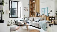 Penggunaan sofa di ruang keluarga. (dok. Dekoruma)