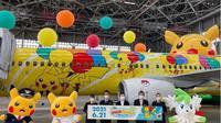 Pesawat Skymark Airlines mengusung tema Pikachu di badan pesawat. (dok. Instagram @skymark_jpn/https://www.instagram.com/p/CQXiJ6TDMk2/Dinny Mutiah)