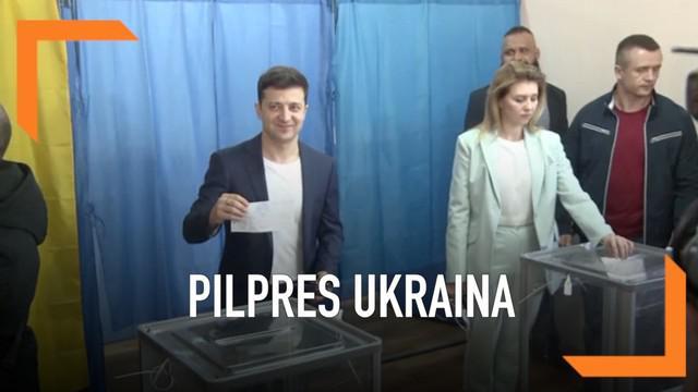 Pelawak Volodymyr Zelenskiy disebut unggul dalam Pilpres Ukraina varsi exit poll. Hasil ini mencengangkan karena ia diprediksi mampu mengalahkan presiden petahana.
