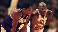 Kobe Bryant dan Michael Jordan (VINCENT LAFORET / AFP)