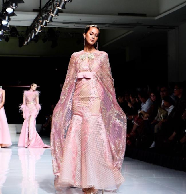 10 Gaun Pesta Yang Bikin Kamu Cantik Dan Mempesona Fashion Fimela Com
