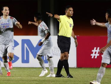 FOTO: Sisi Menarik dari Debut Ezra Walian saat Persib mengalahkan Persita Tangerang 3-1 - Ezra Walian