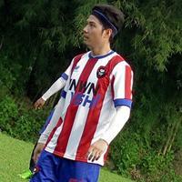 Ternyata suami Nycta Gina, Rizky Kinos merupakan striker dari sebuah klub. (via Instagram)