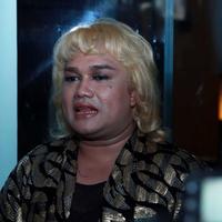 Tata Liem merupakan manager dari artis penuh sensasi, Bella Shofie. (Deki Prayo/Bintang.com)
