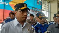 Menhub Budi Karya Sumadi periksa kesiapan Terminal Pulogebang. Dok: Maulandy R. Bayu Kencana